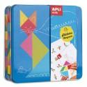 APLI Boîte métal 20 feuilles de gommettes Tangram + 20 cartes à compléter, 1 modèle couleur, 1 notice