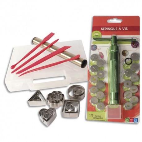 Malette d'accessoires FIMO : 15 emporte-pièces en métal, 1 seringue à vis, 4 spatules, 1 rouleau inox