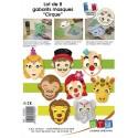 Lot de 8 gabarits de masques thème cirque. En plastique semi-rigide. Avec un mode d'emploi illustré.