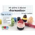 Kit plâtre : 3 coulis rose/choco/sucre, 6 doses de peinture, 6 plâtres cupcakes, 6 pinceaux, une notice